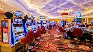 Make money online through the ball gambling (judi bola)