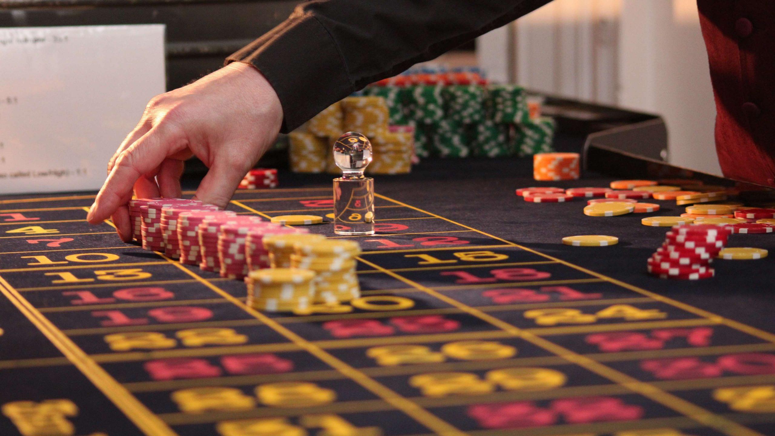 Why Has Online Gambling Been Popular?