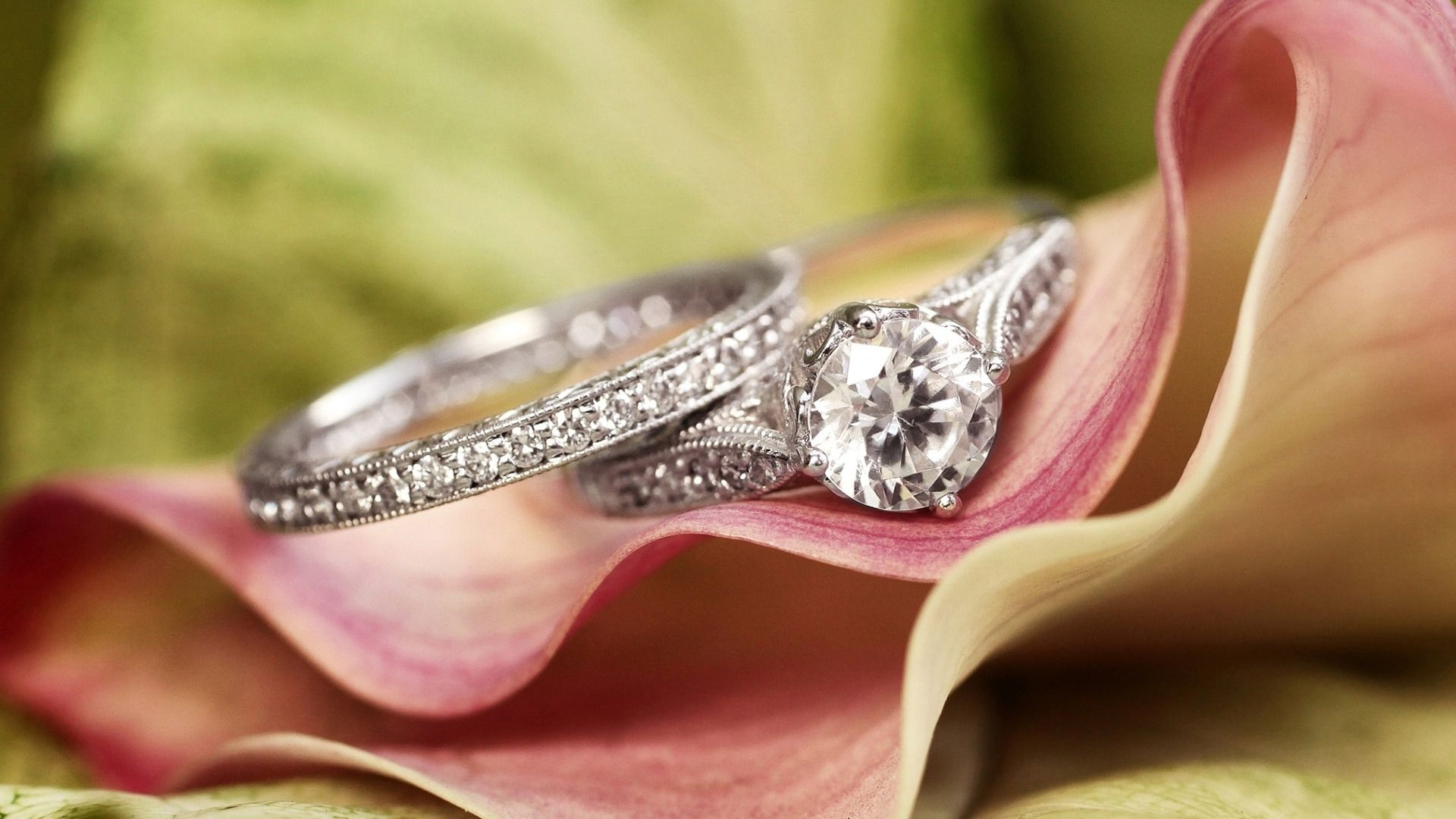 Promise Rings To Accentuate The Beauty Of Your Hands