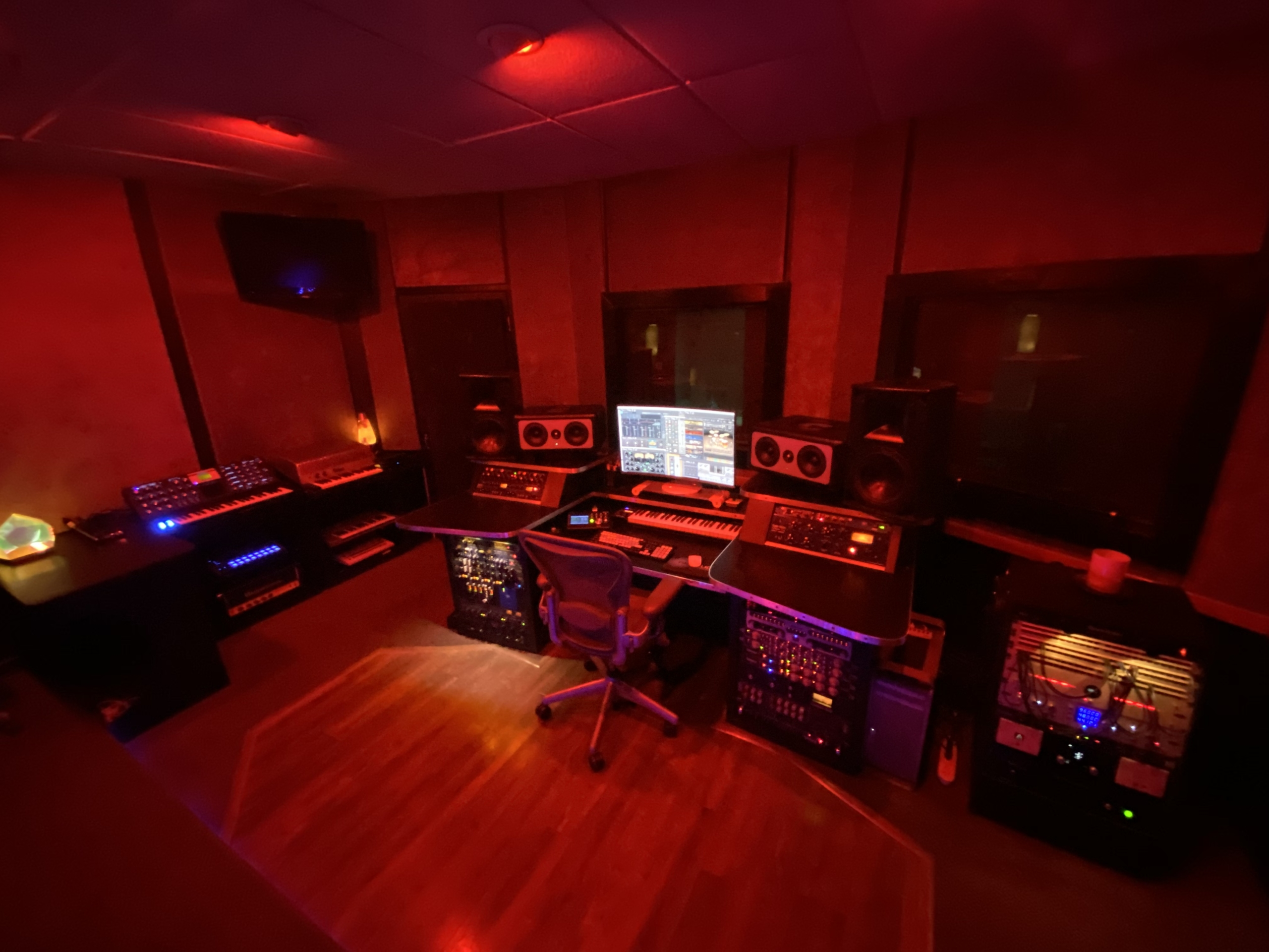 Rent the hall of the best of recroding studios in Atlanta